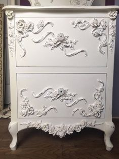 Brown Furniture, Paint Furniture, Furniture Projects, Furniture Makeover, Wallpaper Furniture, Furniture Design, White Painted Furniture, Refinished Furniture, Furniture Refinishing
