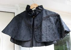 Black Capelet / Witches Cape / Victorian / Goth / by vintagemb60, $58.00
