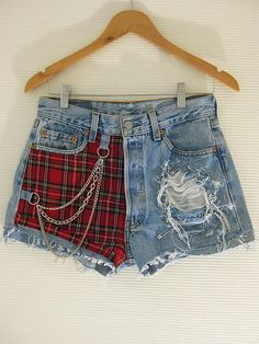 for days when I feel like dressing like a drape Cute Girl Outfits, Edgy Outfits, Fashion Outfits, Denim Shorts Style, Diy Shorts, Korean Girl Fashion, Painted Clothes, Clothing Hacks, Business Fashion
