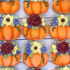 The cutest pumpkin cookies ever! Crazy Cookies, Iced Cookies, Pumpkin Cookies, Fun Cookies, Sugar Cookies, Cookie Frosting, Royal Icing Cookies, Chocolates, Fall Decorated Cookies