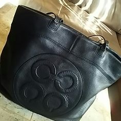 """COACH JULIA OP ART PERRY TOTE Black soft leather shopper/tote  Size: 19"""" X 14.5"""" Strap Drop: 10""""   Exterior is in Great Condition!  Interior shows ware  (Nothing major) No Rips, Smells or Tares.   Clasp closure, cell phone pockets  Inside zippered pocket.  Authentic Coach Bags Totes"""