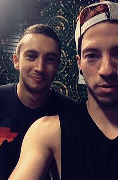 Josh Dun and Tyler Joseph l-/ they are beautiful people Tyler Joseph Josh Dun, Mia Tyler, Joshua William Dun, Human Bean, Staying Alive, My Chemical Romance, Musical, The Dreamers, The Twenties