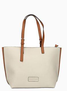 VALENTINO - eccentrico Valentino, Tote Bag, Bags, Fashion, Handbags, Moda, Fashion Styles, Totes, Fashion Illustrations