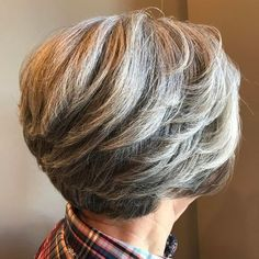 Layered Short Cut For Thick Hair: A crop with long feathered layers keep hair off your face. Try tapered cut w/ backswept layers that don't fall on your face. Short Grey Hair, Short Hair With Layers, Short Hair Cuts For Women, Gray Hair, Mom Hairstyles, Short Bob Hairstyles, Short Hairstyles For Women, Pretty Hairstyles, Layered Hairstyles