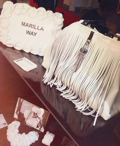 marilla way fringe bags, borse con frange manulena-embroidery-accessories-manulena-knitwear-collection-#madeinitaly #clothing #luxuries #bags #knitwear #wintertrend #style #elegant #femiine #menswear #womenswear #fashionblog #fashionblogger #italy #italianfashion #collection #brands  #petfashion #ecofashion #fauxfur #fringe #accesories #pet @altoitaliano