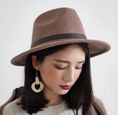 fe15d2670212f Handsome fedora hat for women coffee wool hats winter wear