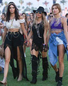 Kendall a Jenner Fergie Hailey Baldwin Coachella 2015 Khloe Kardashian, Kardashian Kollection, Kendall Jenner 2015, Kendall Jenner Coachella, Coachella Festival, Music Festival Outfits, Coachella Style, Coachella Outfit Ideas, Music Festival Fashion