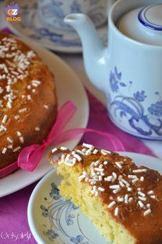 Torta leggera ai semi di anice, una torta da colazione soffice e delicata, senza burro né olio, con ricotta e yogurt nell'impasto. Ottima sola o con gelato.