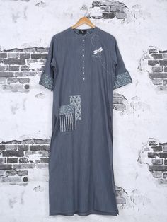 Shop Simple casual wer grey cotton kurti online from India. Kurta Designs, Blouse Designs, Designer Kurtis Online, Casual Outfits, Fashion Outfits, Ethnic Outfits, Casual Wear, Kurta Neck Design, Punjabi Dress