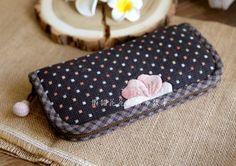 风中的野蔷薇风琴褶长款钱包