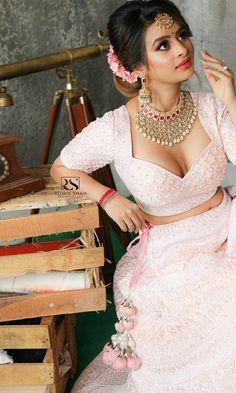 Indian hot model - Indian hot and sexy girls Beautiful Girl Indian, Beautiful Saree, Wallpaper Hq, Desi Models, Indian Actress Photos, Indian Models, Sexy Girl, Indian Beauty Saree, Party Wear Sarees