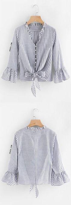 Contrast Striped Knotted Hem Frill Blouse Source by madhya_agency Hijab Fashion, Diy Fashion, Womens Fashion, Fashion Design, Fashion Shirts, Frill Blouse, Mode Hijab, Mode Vintage, Refashion