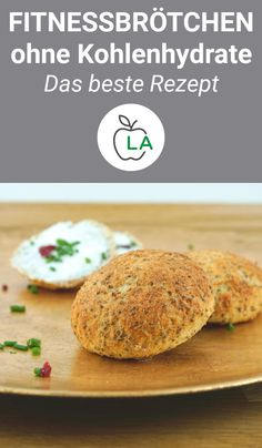 Fluffy low carb buns – slimming recipe – Bake rolls without carbohydrates? No p… Fluffy low carb buns – slimming recipe – Bake rolls without carbohydrates? No problem! This low carb bun recipe is quick and low in carbohyd – Low Carb Buns, Low Carb Bread, Low Carb Diet, Low Carb Burger Buns, Paleo Recipes, Low Carb Recipes, Baking Recipes, Quick Recipes, Dieta Paleo