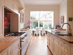 Harvey Jones Original kitchen, handpainted in Dulux 'Natural Calico'.    www.harveyjones.com