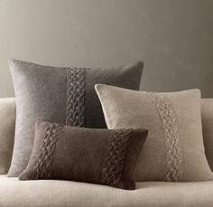 Belgian Linen Knit Pillows This is from Restoration Hardware. They are linen knit covers. I think I can make a pattern for these but I'm looking of a nice pillow pattern similar to this. I think I can easily find a linen yarn. Knitted Cushion Covers, Knitted Cushions, Scatter Cushions, Knitted Pouf, Sweater Pillow, Knit Pillow, Pillow Talk, Heart Pillow, Pillow Set