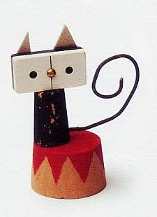 Untitled upcycled sculpture (cat) by Spanish graphic designer & illustrator Isidro Ferrer (b.1963). via Animalarium