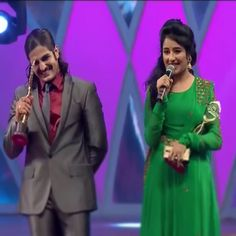 When they got the most popular couple award at the ZRA ||| Rajjats laugh