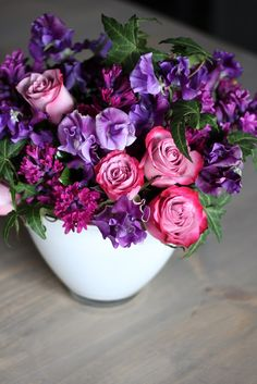 The sparkling notes of dark purple hyacinth mix with the purple chiffon of sweet pea: 'Love & Lavender' by Winston Flowers. Unique Flower Arrangements, Unique Flowers, Love Flowers, Fresh Flowers, Beautiful Flowers, Good Shabbos, Winston Flowers, Photo Bouquet, Gourmet Gift Baskets