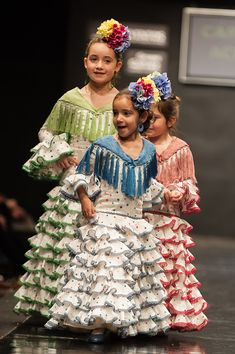 Carmen Acedo Pasarela Jerez 2015 Flamenco Skirt, Flamenco Dancers, Flamenco Dresses, Fashion Photo, Kids Fashion, Womens Fashion, Fashion Design, Fair Outfits, Skirts For Kids