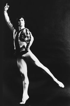 Rudolf Nureyev in a studio shot capturing the charismatic physical presence that took the dance-going public by storm.(Photograph from the Dance Division, New York Public Library for the Performing Arts, Astor, Lenox, and Tilden Foundations.)