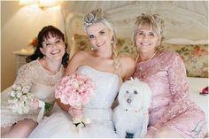 Niks meer kosbaar as ons hegte verhouding. mamma en sussie x Girls Dresses, Flower Girl Dresses, Bridesmaid Dresses, Wedding Dresses, Flowers, Fashion, Dresses Of Girls, Bridesmade Dresses, Bride Dresses