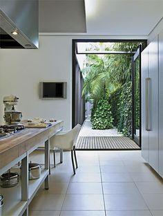 Stunning Contemporary Kitchen & Garden