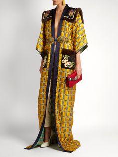 Embellished kimono-sleeve fur-trimmed coat | Gucci | MATCHESFASHION.COM US Kimono Fashion, Boho Fashion, Sequin Coats, Gucci Coat, Fur Trim Coat, Kimono Coat, Mode Chic, Russian Fashion, My Style