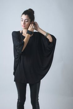 Loose Top Tunic, Oversized Blouse with Batwing Sleeves, Raglan Top - The Butterfly - Top Tunic - Donation to UNICEF - IModel 07-1