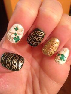 St patricks day nail art using bundle monster and mash plates