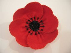 10 Poppy Crafts for Remembrance Day or Veteran's Day; great poppy crafts for… Felt Flowers, Diy Flowers, Fabric Flowers, Hobbies And Crafts, Crafts For Kids, Poppy Craft, Poppy Brooches, Poppy Pattern, Felt Decorations