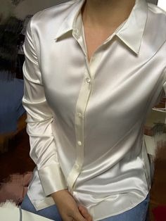Sexy Blouse, Blouse And Skirt, Cute Blouses, Blouses For Women, White Shirt Outfits, White Silk Blouse, Lace Kimono, Satin Blouses, Beautiful Blouses