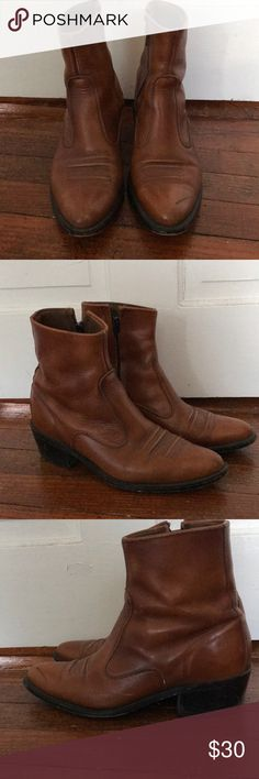 9d75a637b6e85b 1980s brown leather boots Pair of 1980s vintage brown leather boots