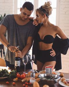 ideas for photography love story ideas inspiration Cute Couples Goals, Couples In Love, Romantic Couples, Couple Goals, Romantic Love Couple, Rich Couple, Couple Fun, Romantic Things, Cute Relationship Goals