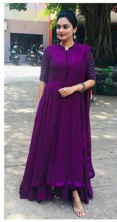 Best 12 Fashion dress selection of designer dresses – SkillOfKing.Com Robe Anarkali, Anarkali Dress Pattern, Salwar Pattern, Dress Patterns, Lehenga, Saree, Indian Fashion Dresses, Dress Indian Style, Indian Designer Outfits