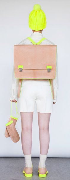 dying over alba prat's neon old school collection. she was inspired by the cold war children carrying their leather bags to school. but honestly, i love the simple accessories and the pops of neon. Mellow Yellow, Neon Yellow, Colour Yellow, Crazy Colour, Color Pop, Mode Old School, Estilo Navajo, Bon Look, Old School Fashion