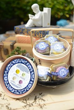 """This moon cake packaging was for the company """"Mashwire"""" to give out to their clients during the mid autumn festival (Moon cake festival). The design direction for this packaging was based on porcelain plates, to show the delicate and luxurious nature of t…"""