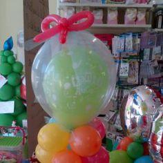 Palloncini di compleanno con fiocco