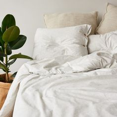 Bedding set made from very soft jersey in light grey mélange colour. The natural fabric allows the skin to breathe and bed linen is pleasant to the touch as your beloved t-shirt. Cotton Bedding, Linen Bedding, Duvet, Bed Linens, Single Bedding Sets, Bed Sets For Sale, Couple Bed, Black Bed Linen, Linen Pillows