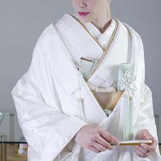 白無垢「疋田吉祥文様尽くし」 . 疋田模様の刺繍が施され、背中には大胆な鶴や亀甲紋、松が描かれた一着。 古典な柄行きの中にも、疋田の刺繍が可愛らしさを表現した白無垢です。 . 水色のような、浅葱色の小物合わせは、なんとも爽やかで素敵なコーディネートです。 . #CUCURU #花嫁 #プレ花嫁 #和装 #着物 #白無垢 #引振袖 #色打掛 #カラフル #結婚式準備 #結婚式 #表参道  #kimono #love #Styling #ideas #bride #hair #make #marry #ff #follow #coordinate #instagood #beautiful #colorful #japan #tokyo #photographer