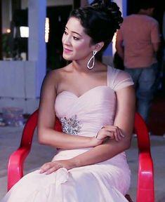 Shivangi joshi ❤ Shivangi Joshi Instagram, Kartik And Naira, Nose Drawing, Kaira Yrkkh, Mohsin Khan, Stylish Girl Pic, Romantic Couples, Beautiful Indian Actress, Beauty Queens