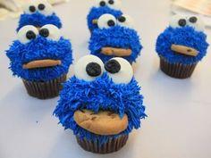 Cookie Monster Cupcakes - Cookie!