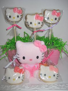 Hello Kitty Centerpiece design by Sprinkle Me Sugar 08/11