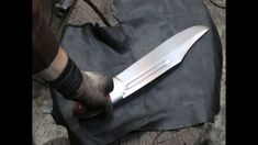 Forging a ultra great bowie knife from a semi truck leaf spring.