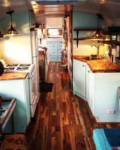 This school bus conversion is absolutely stunning ! Some serious hard work p &; This school bus conversion is absolutely stunning ! Some serious hard work p &; School Bus Conversion SchoolBusConversionnn School Bus […] Homes On Wheels bus conversion School Bus Tiny House, School Bus Camper, Bus Living, Tiny House Living, Converted School Bus, School Bus Conversion, Camper Conversion, Short Bus, Van Home