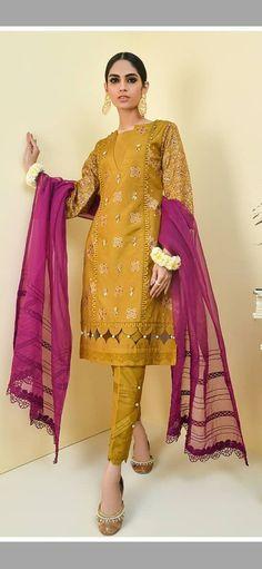 Fancy Dress Design, Girls Frock Design, Stylish Dress Designs, Beautiful Pakistani Dresses, Pakistani Dresses Casual, Pakistani Dress Design, Designer Kurtis, New Designer Dresses, Girls Dresses Sewing