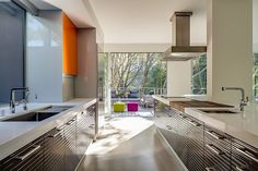 Fantastic Modern Home Design with Vegetation in Surround: Sleek Modern Detail Kitchen Modern Volumetric House In California