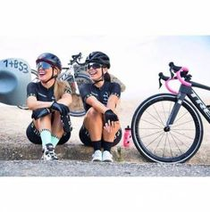 50 ideas for bike riding fitness woman bicycle girl Road Bike Women, Bicycle Women, Bicycle Girl, Mtb, Winter Outfits, Baby Bike, Dirt Bike Girl, Cycling Girls, Bicycle Maintenance