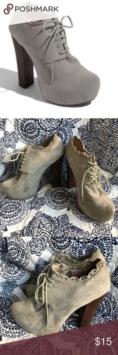 Betsey Johnson Serenn Gray Suede Booties Girly, frilly version of Jeffrey Campbell Lita! These towering platform booties are SO COMFY. I could literally go all night in these shoes. These are pre-loved, so they do have some scuffs on the suede and some marks on the wooden heels. But that can probably be cleaned up with suede cleaner! Eyelet lace on the ankles is so cute! 🖤 I normally wear a 7 and the 7.5 fits, but are a little loose! No box Betsey Johnson Shoes Platforms
