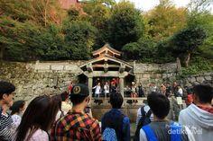 Kuil di Jepang Ini Punya Air Anti Jomblo - http://tour.shop.pencarian-aman.com/2014/10/29/kuil-di-jepang-ini-punya-air-anti-jomblo/