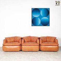 New on www.19west.de: Three Confidential lounge chairs designed in 1972 by Alberto Rosselli for Saporiti. #19west #vintage #design #designclassic #mcm #20thcentury #midcentury #1950's #1960's #1970's #italiandesign #saporiti #sofa